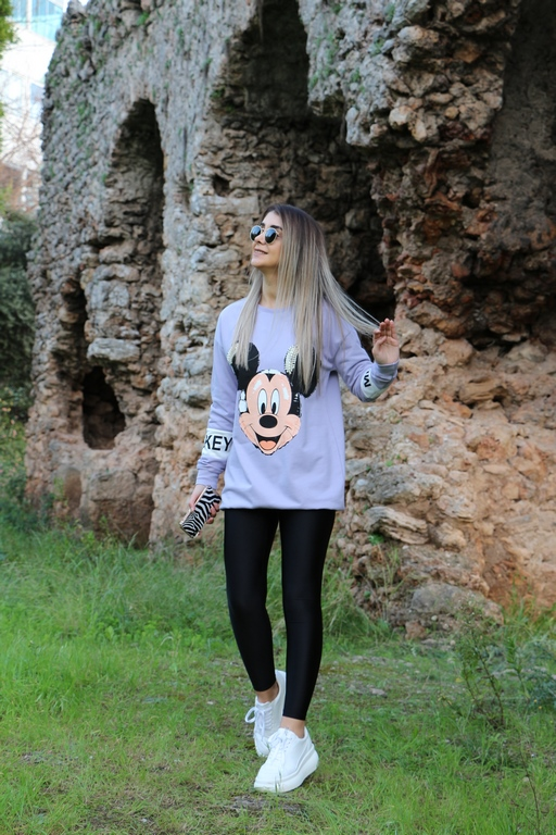 Lila Mickey Sweat