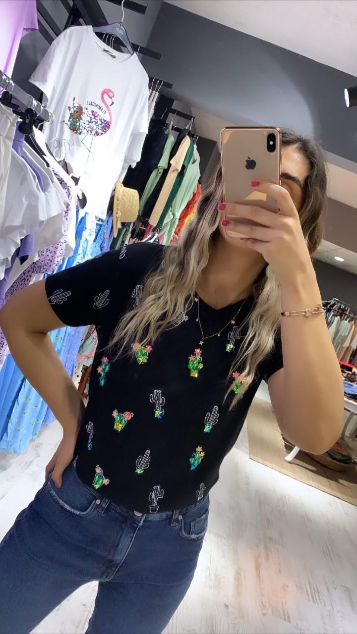 Siyah Küçük Kaktüs Detay Tshirt